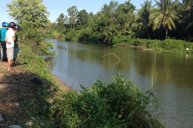 Trên đường đi dạo, giám đốc Pjico Sóc Trăng lao xe xuống sông tử nạn
