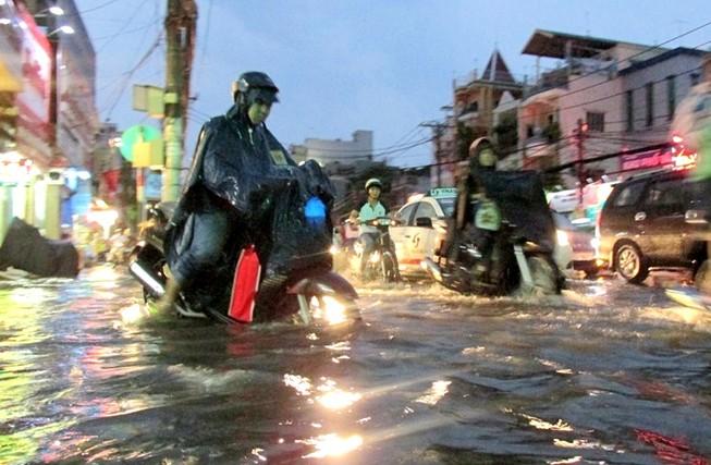 Sài Gòn bắt đầu vào mùa 'ngập nước'
