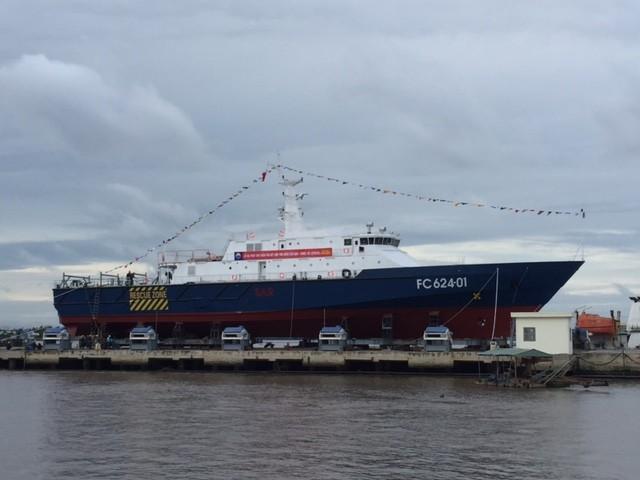Hạ thủy tàu tuần tra kết hợp tìm kiếm cứu nạn xa bờ hiện đại