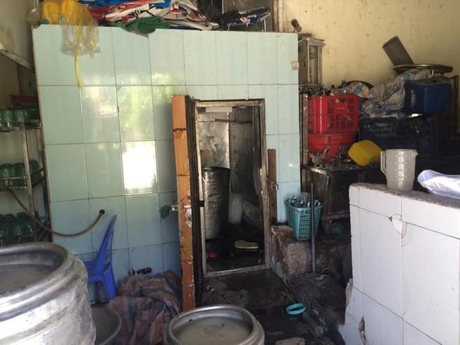 Nhân viên rót bia tử vong vì bị điện giật trong hầm lạnh
