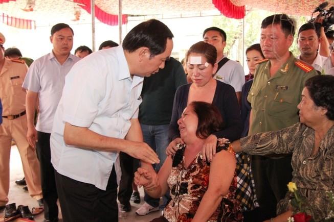 Bộ trưởng Bộ Công an cam kết truy bắt hung thủ trong thời gian sớm nhất