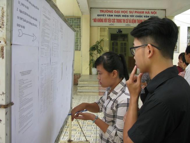 Ba trường đầu tiên công bố dữ liệu đăng ký xét tuyển