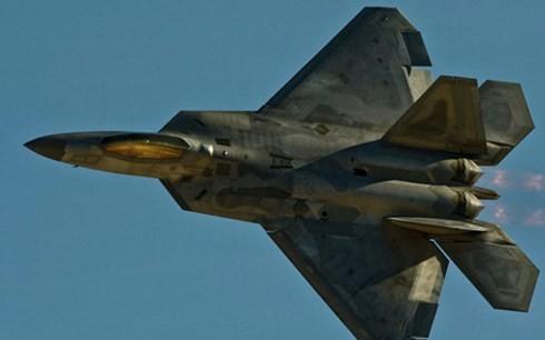 Mỹ 'đốt tiền' để duy trì siêu máy bay F-22 ở châu Âu