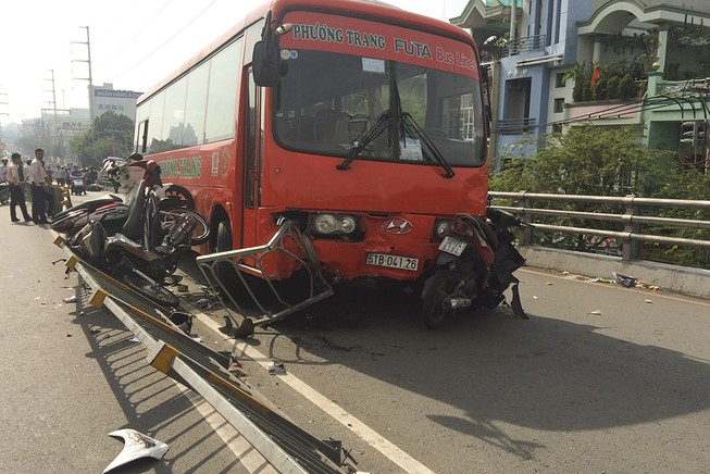 Bắt giam tài xế xe Phương Trang gây tai nạn ở cầu vượt Cây Gõ