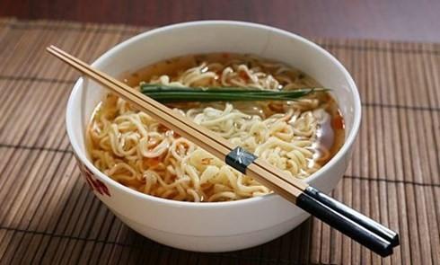 10 loại thực phẩm không nên ăn khi đói