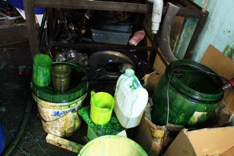 Cảnh báo dầu nhờn giả ở các tiệm sửa xe thay nhớt