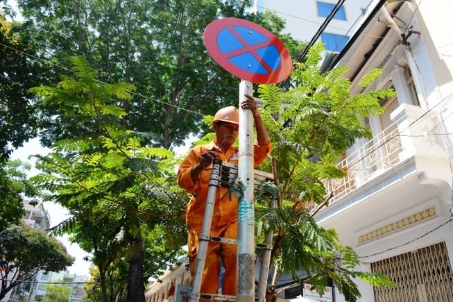 Lập tức triển khai chỉ thị cấm đỗ xe của Bí thư Đinh La Thăng