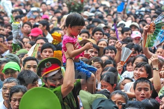 Hình ảnh đẹp về các chiến sĩ công an ở lễ hội đền Hùng