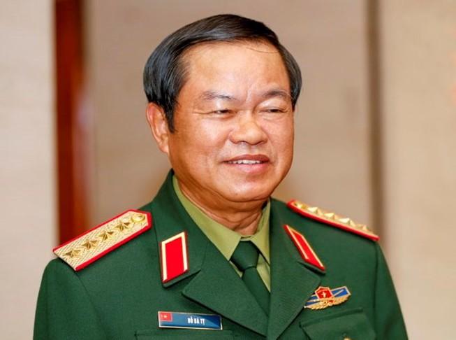 Thủ tướng ký hai quyết định liên quan nhân sự Bộ Quốc phòng