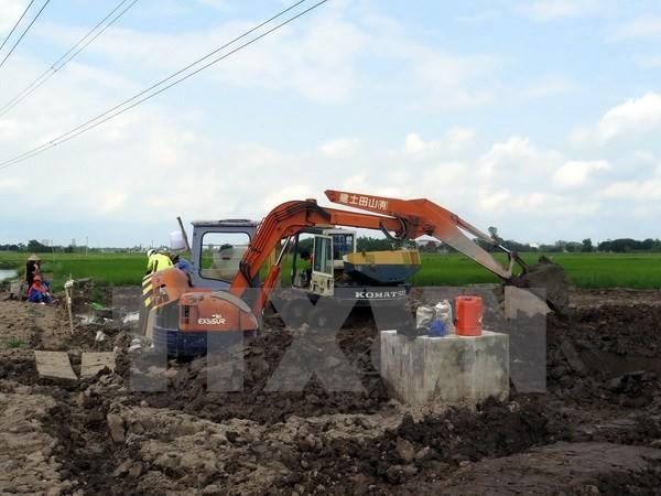 Thông cáo về vụ móng cột điện làm bằng 'bê tông trộn đất'