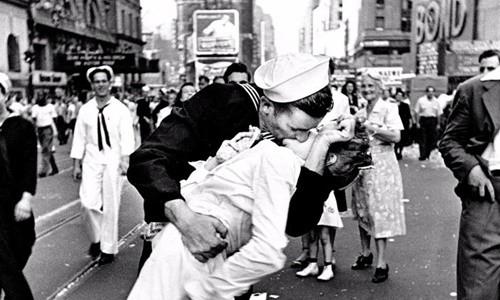 Người phụ nữ biểu tượng của Thế chiến II qua đời