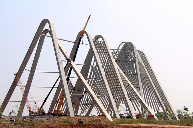 Quảng Ninh lên tiếng về cổng tỉnh 198 tỉ, lớn nhất nước