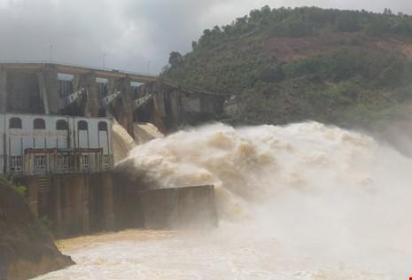 Thủ tướng yêu cầu kiểm tra việc thủy điện xả lũ