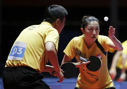 Singapore làm bá chủ 'vùng trũng' nhờ vận động viên Trung Quốc