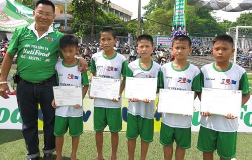 Học viện bóng đá NutiFood tuyển được 8 mầm non vào vòng chung kết