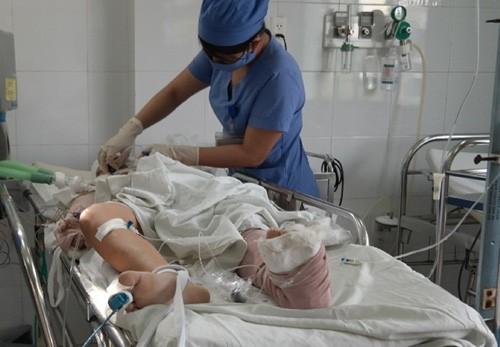 Hai cháu nhỏ bị tai nạn trên cầu Thuận Phước còn nguy kịch