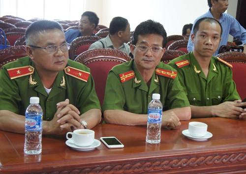 Họp báo vụ thảm sát ở Nghệ An: Nghi can khóc khi nghe về gia đình