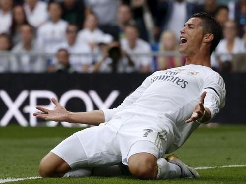 Ronaldo phá kỷ lục, ghi 324 bàn cho Real