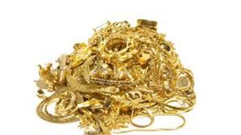 Suýt mất túi vàng giấu trong tượng thánh