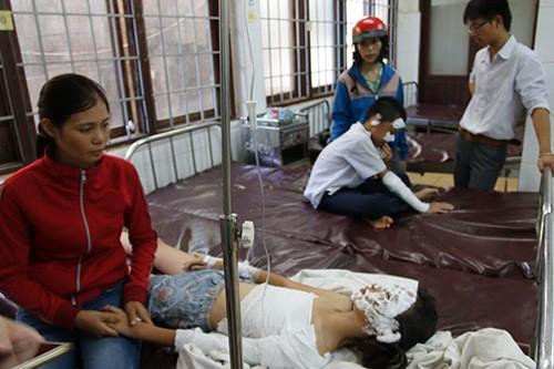Nổ bình ga khi thực hành, 5 học sinh tiểu học bị bỏng