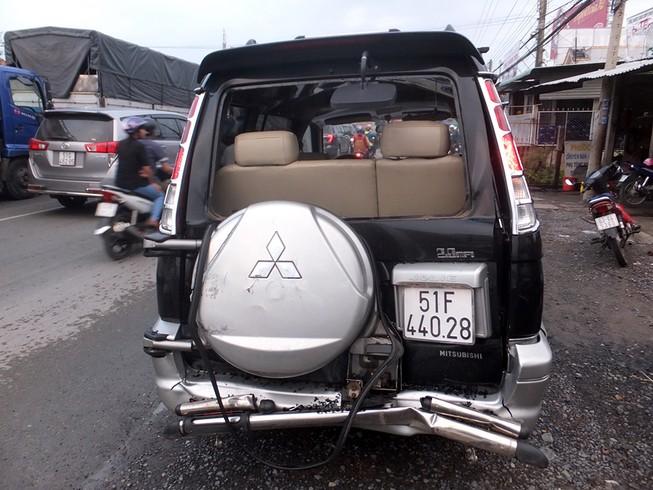 4 ô tô tông liên hoàn ở Tiền Giang