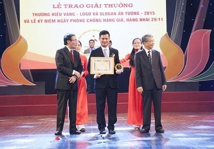 VietinBank nhận giải thưởng Thương hiệu Vàng 2015
