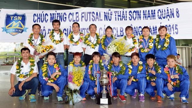 Thái Sơn Nam được thưởng xứng đáng với ngôi vô địch
