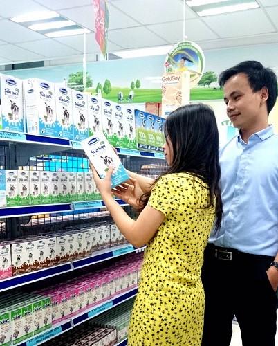 Bị truy thu thuế, tám doanh nghiệp sữa phản đối