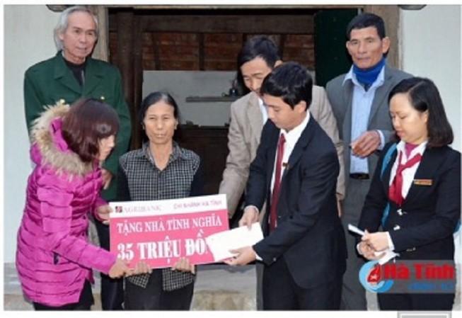 Agribank Hà Tĩnh: Xây nhà tình nghĩa tặng hộ nghèo