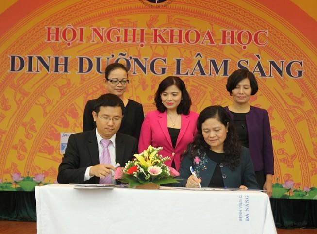 Vinamilk ký hợp tác chiến lược với Viện Dinh dưỡng Quốc gia