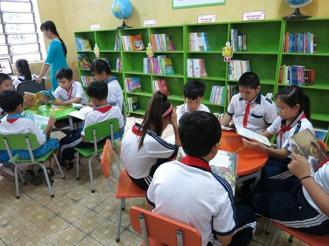 Thư viện sách cho những trường tiểu học khó khăn