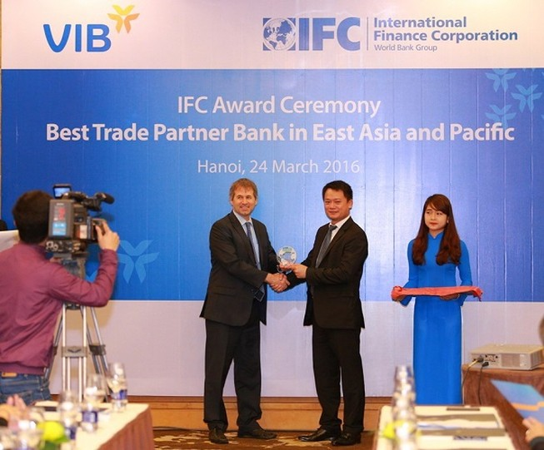VIB nhận giải thưởng Ngân hàng Tài trợ Thương mại tốt nhất khu vực Đông Á