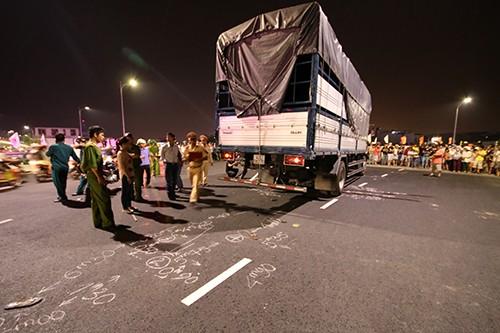 Tai nạn chết người trên cầu vượt 3 tầng lớn nhất Việt Nam