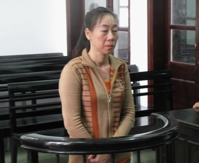Suýt mất tài sản vì được 'nữ tặc' mời mua bao cao su