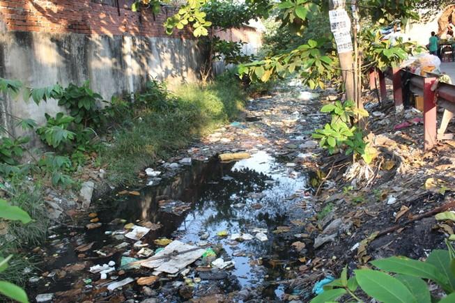 Kênh Gia Định 'chết': Phận người bên dòng kênh 'Nước đen'