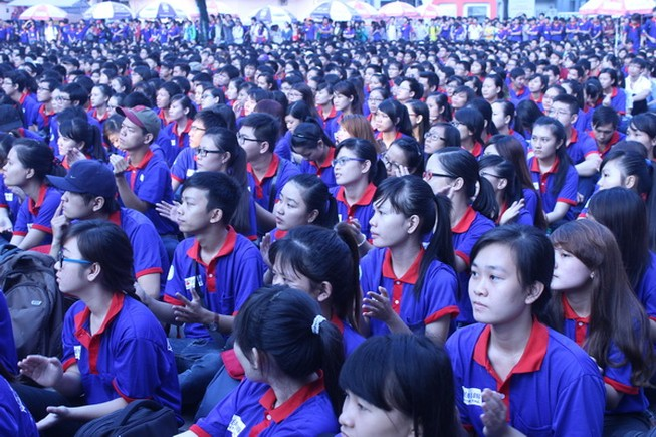 9.000 sinh viên ra quân tiếp sức mùa thi