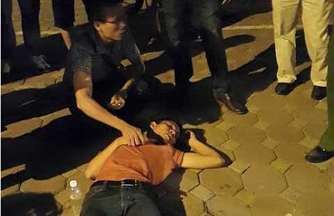 Một phóng viên bị hành hung khi đang tác nghiệp