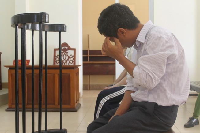 Nguyên phó hiệu trưởng Trường trung cấp nghề Dĩ An bị phạt 3 năm tù