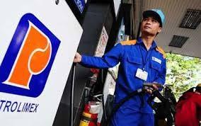 Giá xăng dầu giảm hơn 800 đồng/lít