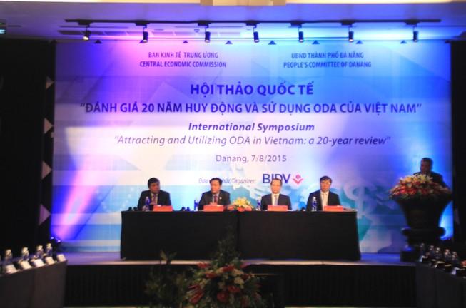 """Việt Nam đã """"tốt nghiệp"""" ODA"""