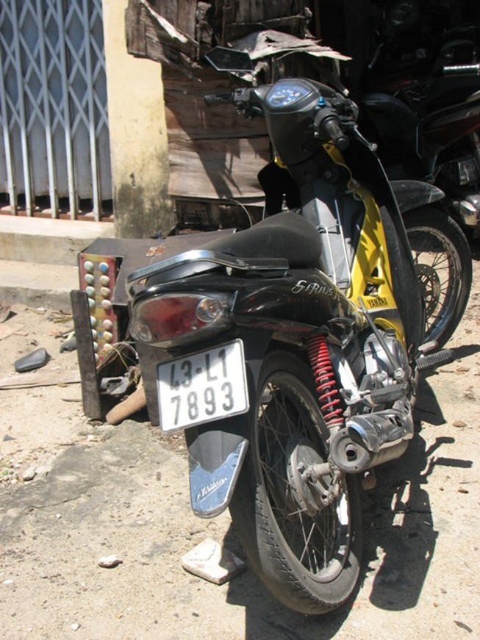 Băng nghiện 9X thực hiện 22 vụ trộm xe máy