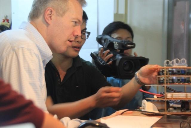 Đại sứ Hoa Kỳ thăm trẻ em có hoàn cảnh khó khăn tại Đà Nẵng