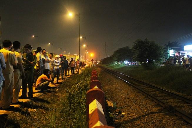 Băng qua đường bị tàu lửa tông tử vong
