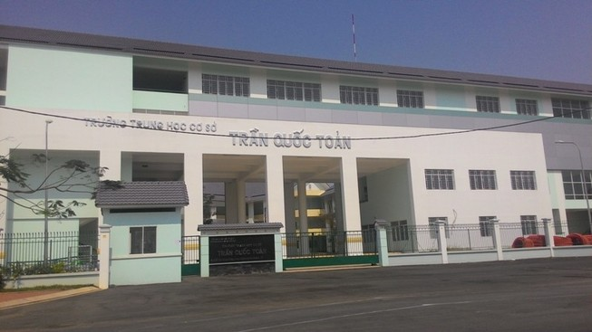 Trường THCS tiếp tục bị bỏ hoang chờ... học sinh