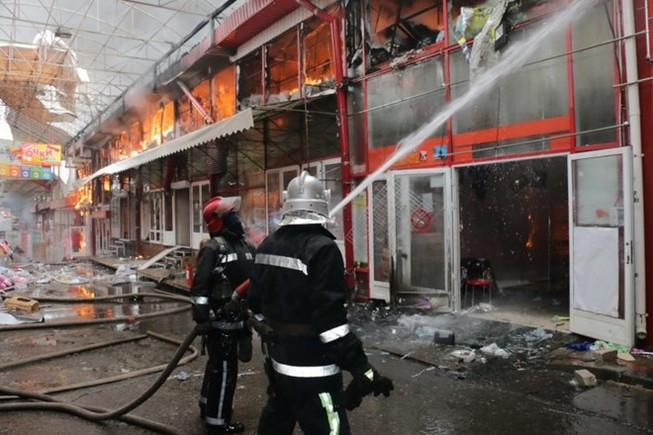 Ukraine: Cháy chợ Barabashovo có đông người Việt buôn bán