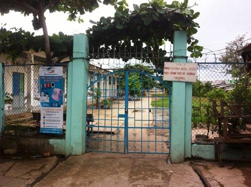 Cà Mau: Không cho học sinh nhập học vì không đóng đủ 5 loại phí