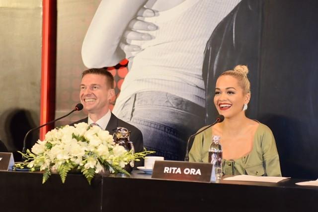 Nữ ca sĩ Rita Ora đã đến TP.HCM