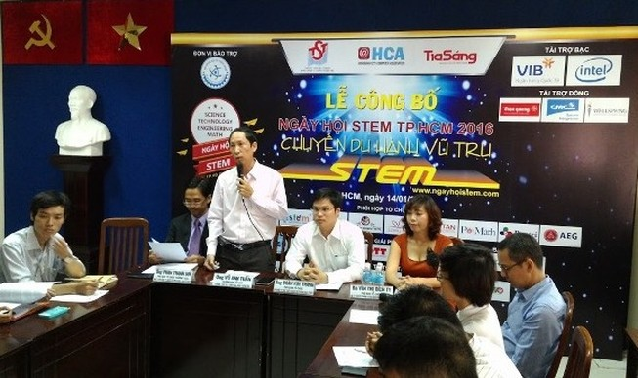 """""""Chuyến du hành vũ trụ STEM""""miễn phí cho học sinh"""