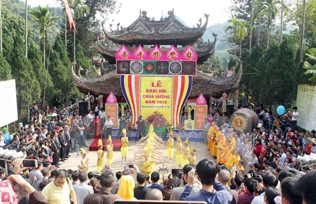 Hà Nội: Cấm đổi tiền lẻ dưới mọi hình thức dịp lễ hội đầu Xuân
