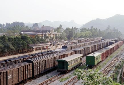 Tổng giám đốc duyệt mua hàng trăm toa tàu cũ Trung Quốc bị cách chức